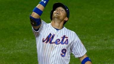 Brandon Nimmo of the Mets celebrates his fifth-inning