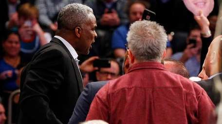 Former Knick Charles Oakley gets involved in an