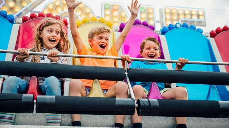 Discounted tickets can rein in theme-park costs, but