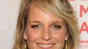 Actress Helen Hunt attends the premiere of