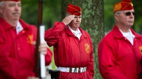 The firing detail, Sunset Detachment, Marine Corps League