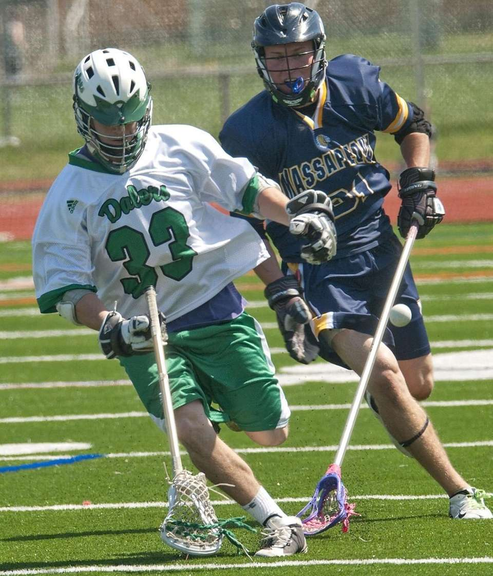 (L) Farmingdale High School #33 Jon Lyons battles