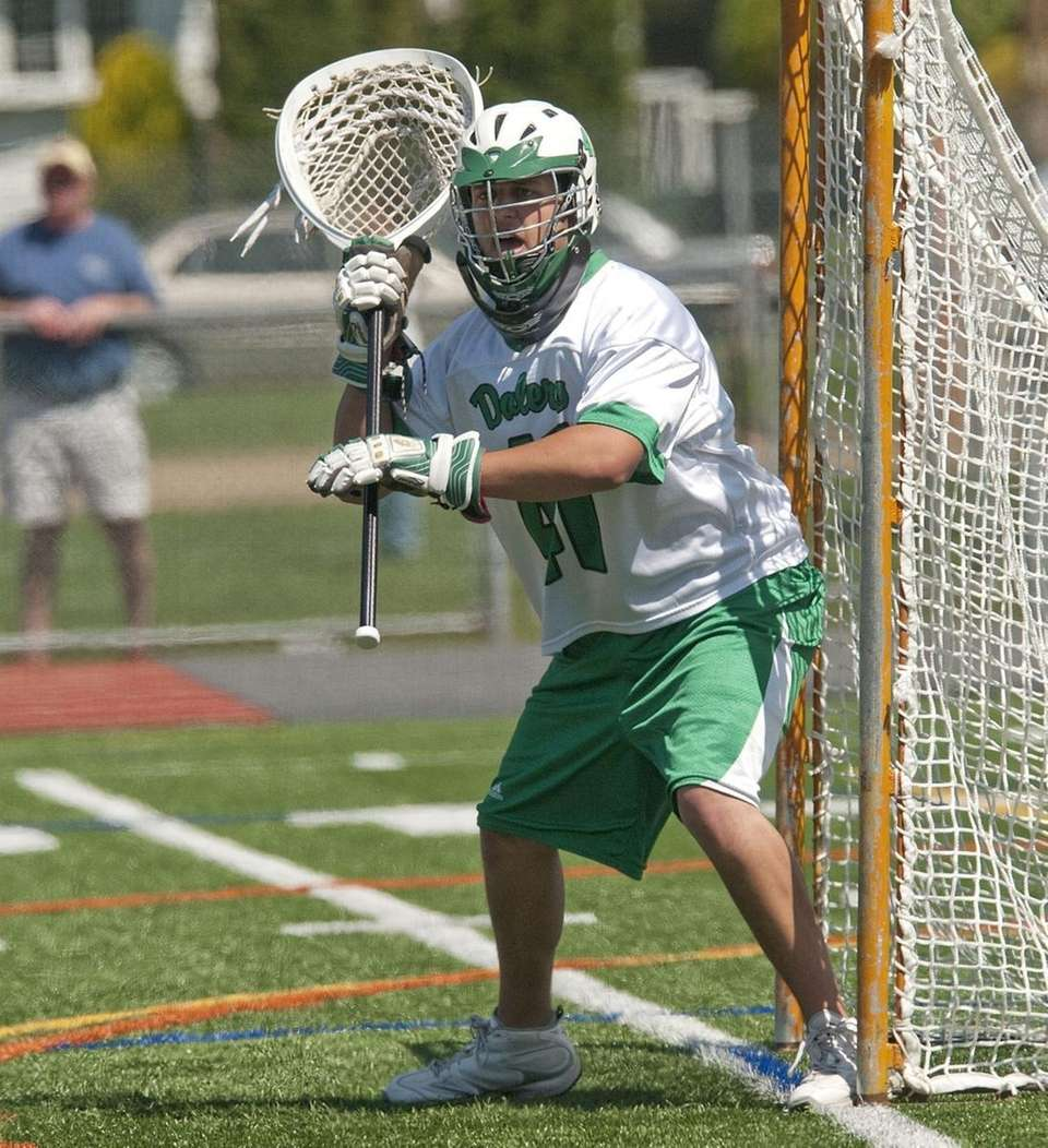 (R) Farmingdale High School #41 Kirt Hayden defends