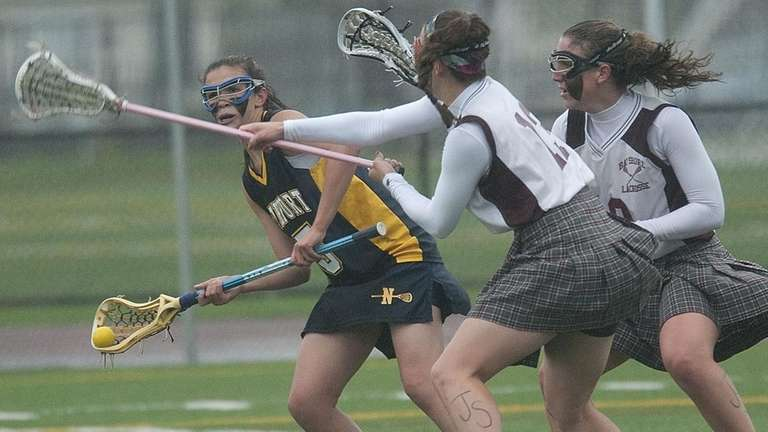 Northport's Courtney Fortunato, left, looks for an open