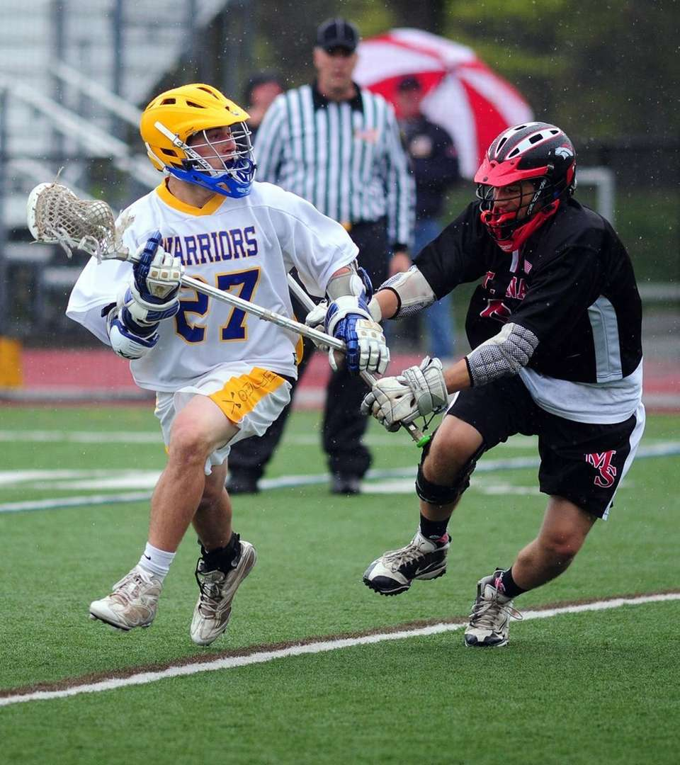 Comsewogue's Connor Duddy gets around Mount Sinai's Lou