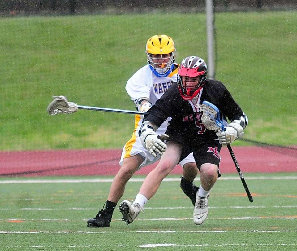 Mount Sinai's Peter Natale, right, tries to get