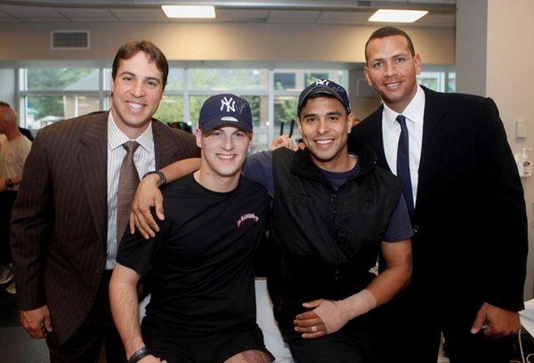 Yankees first baseman Mark Teixeira, far left, and