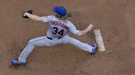 Mets starting pitcher Noah Syndergaard against the Milwaukee
