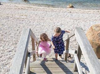 Rachel Kubetz, 7, of Laurel, and Braedyn MacLead,