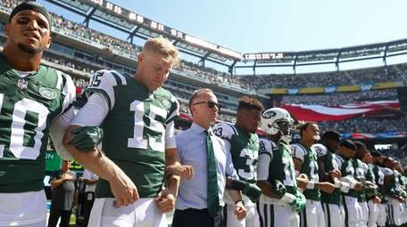 Josh McCown and Christopher Johnson Jets stand in