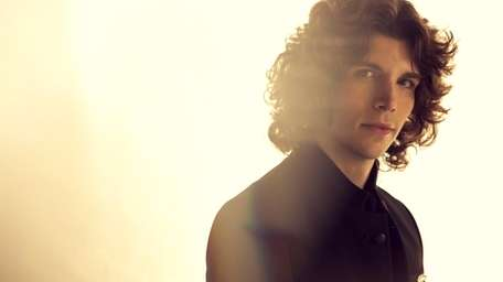 Seaford native Jesse Kinch will release his debut