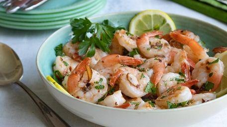 Skillet-cooked shrimp with garlic, white wine, lemon juice
