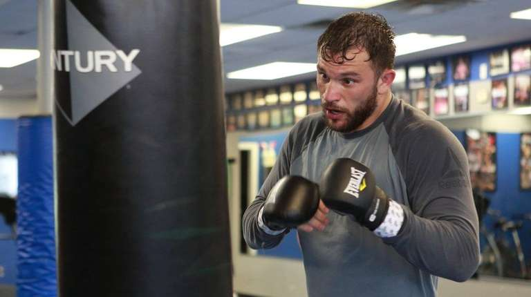 UFC light heavyweight Gian Villante trains for an