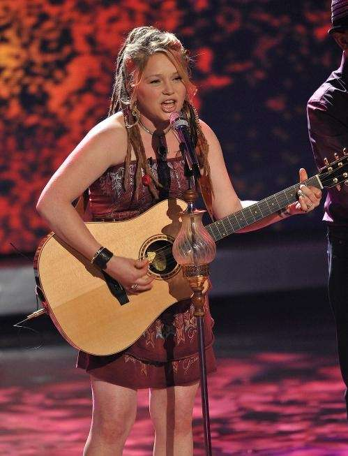 Crystal Bowersox performs on 'American Idol'. (April 27,