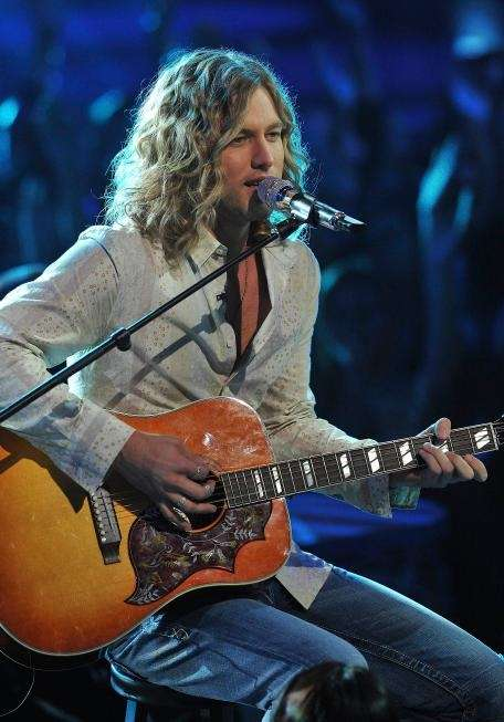 Casey James performs on 'American Idol.' (April 27,
