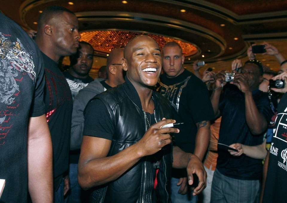 Floyd Mayweather Jr. arrives at the MGM Grand.