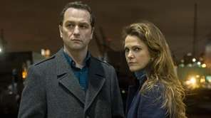Matthew Rhys and Keri Russell in the series