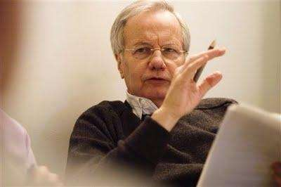 Bill Moyers will leave public television after 40