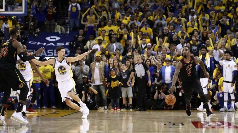 4f9b53c12d86 J.R. Smith made a costly mistake in Game 1 of NBA Finals