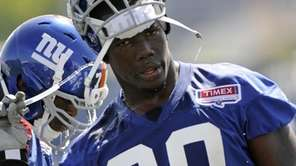 New York Giants' Jason Pierre-Paul cools off with