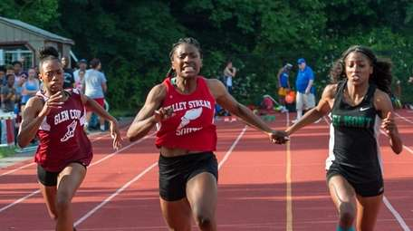 Valley Stream South's Chibugo Obichere on her way