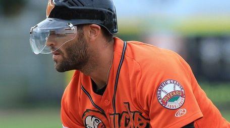 Ducks right fielder Anthony Vega #11 gets back