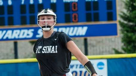 Mt. Sinai pitcher Emma Wimmer delivers a pitch