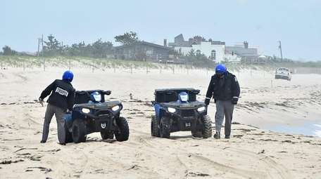 New York State police search Wainscott Beach on