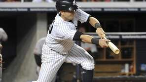 Yankees' Francisco Cervelli hits a sacrifice bunt moving