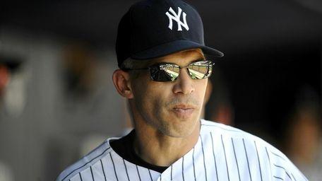 Joe Girardi #28 of the New York Yankees