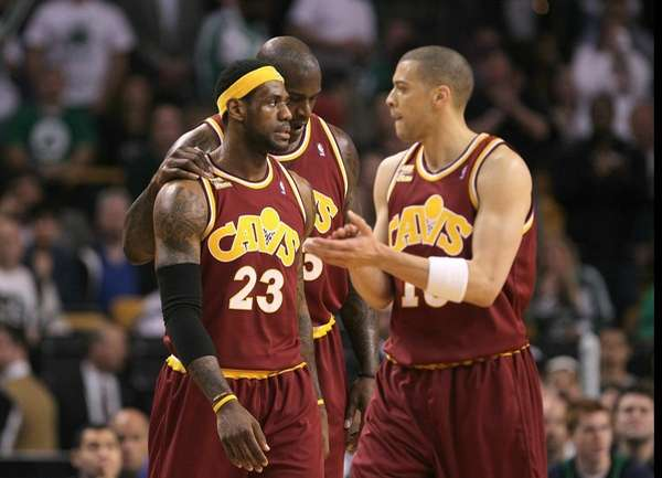 LeBron James #23, Shaquille O'Neal #33 and Anthony