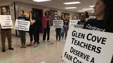Glen Cove teachers have been working under expired