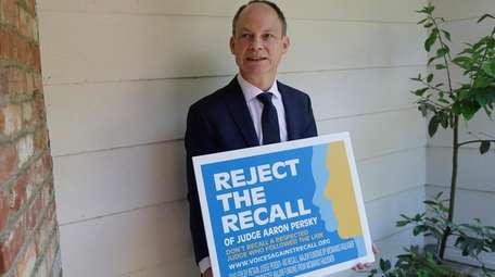 California Judge Aaron Persky campaigns against his recall