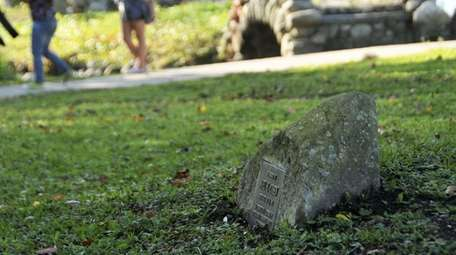 Huntington residents had complained about stone memorials in