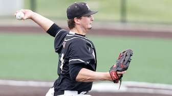 Wantagh pitcher Anthony Fontana against Lakeland during the