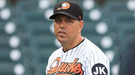 Ducks manager Kevin Baez turns in the lineup