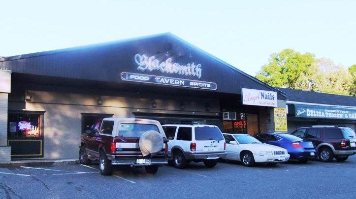 Blacksmith Tavern, Smithtown
