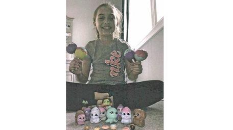 Kidsday reporter Nikki Conde with her CakePop Cuties.