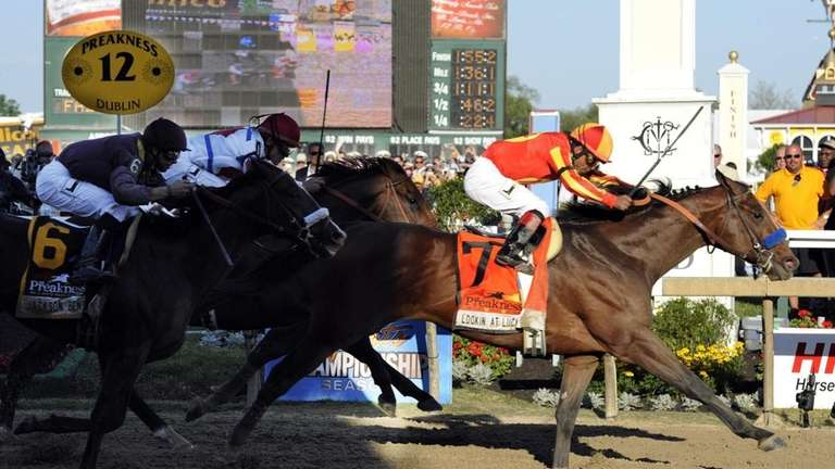 Lookin At Lucky (7), with Martin Garcia aboard,