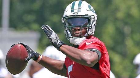 Jets QB Teddy Bridgewater in action on first
