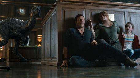 Chris Pratt, Bryce Dallas Howard and Isabella Sermon