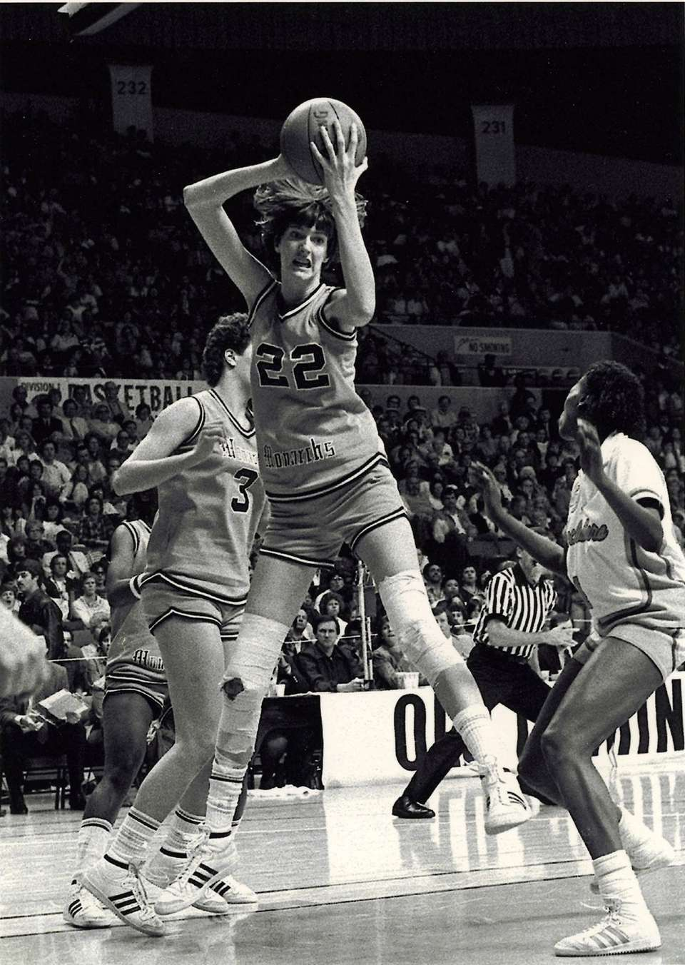 Anne Donovan, the Basketball Hall of Famer who