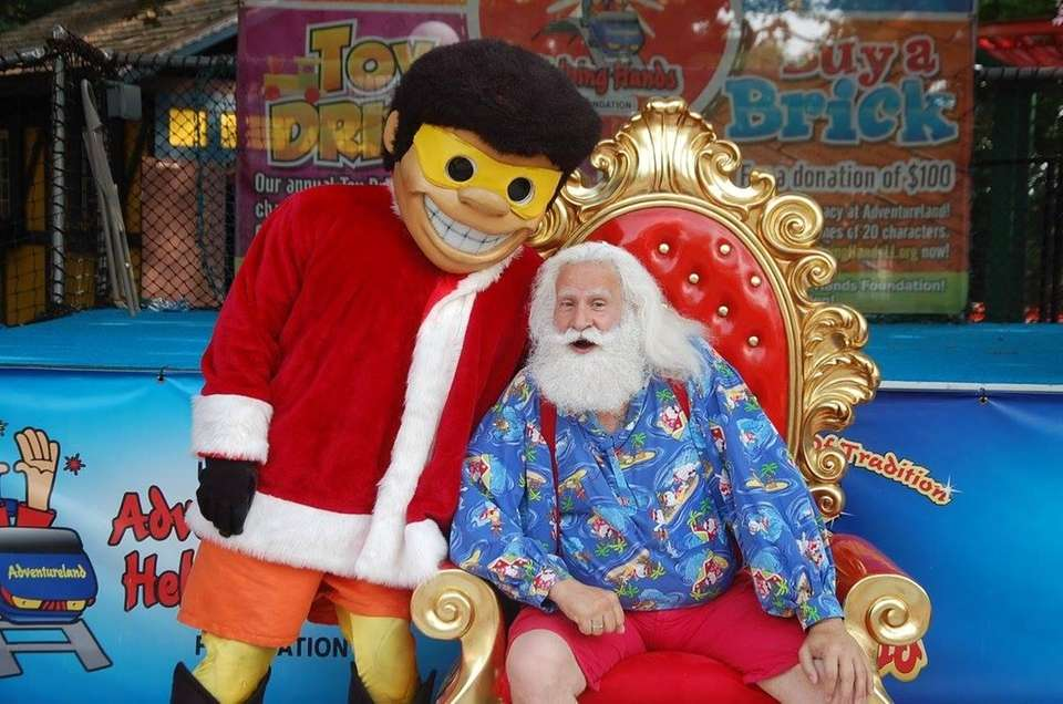 Adventureland's Helping Hands Foundation holds Santa Saturdays to
