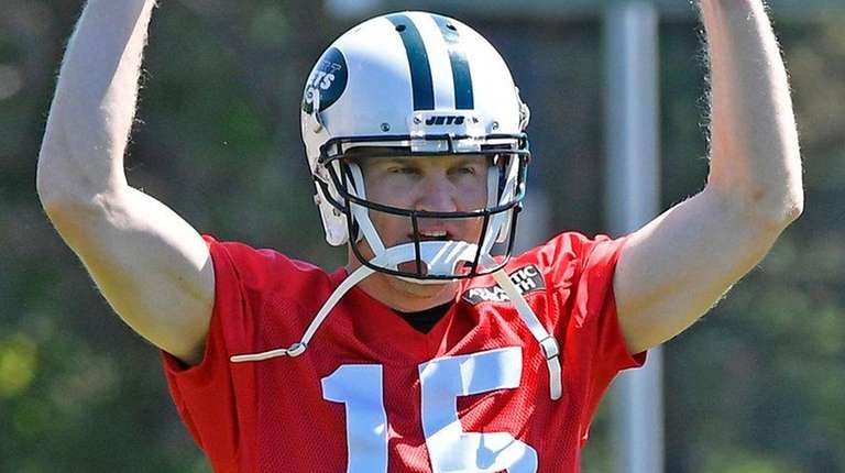 Josh McCown at Jets minicamp on Thursday.