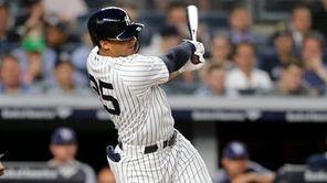 Yankees' Gleyber Torres follows through on three-run home