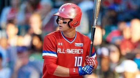Jarred Kelenic bats during the Under Armour All-American
