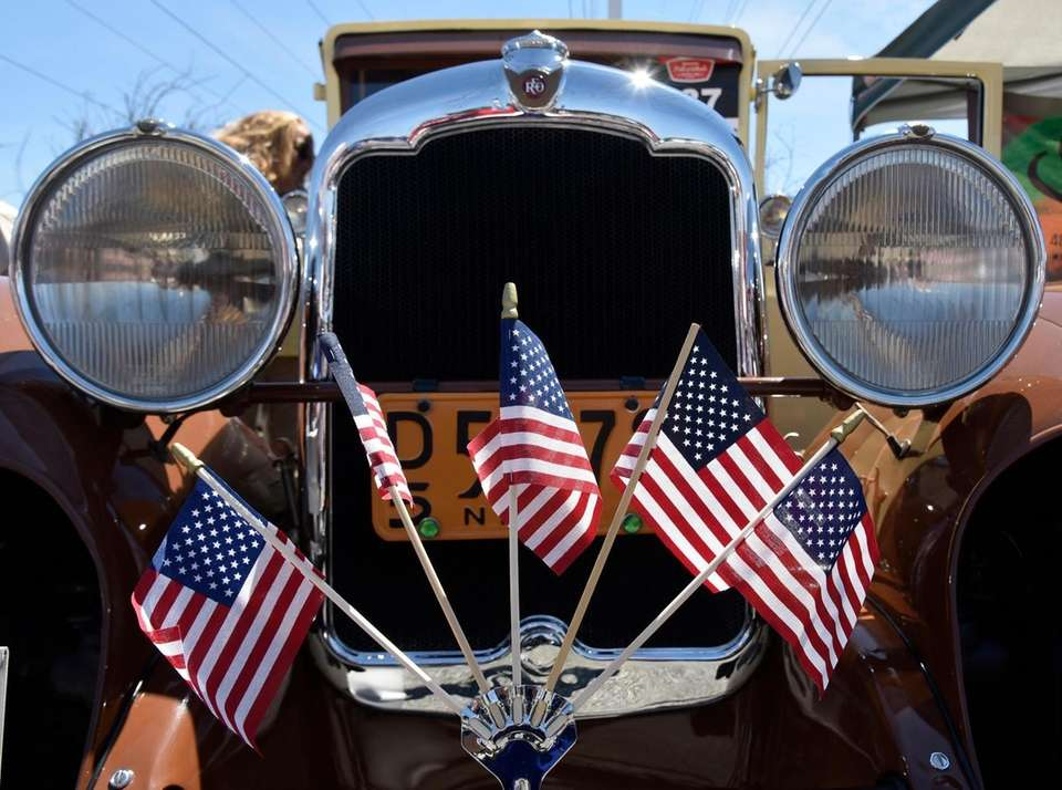 Patriotism on display on a 1929 Reo.