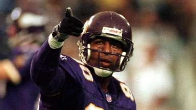 Hall of Fame wide receiver Cris Carter will