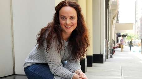 "Melissa Errico, a Manhasset native, opens in ""On"