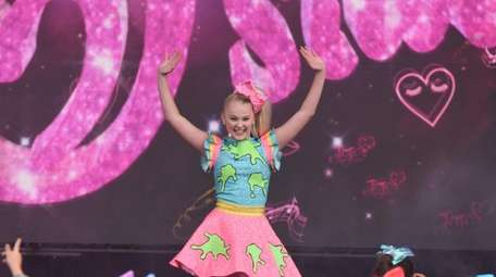 Fans of JoJoSiwa, seen here in Chicago on